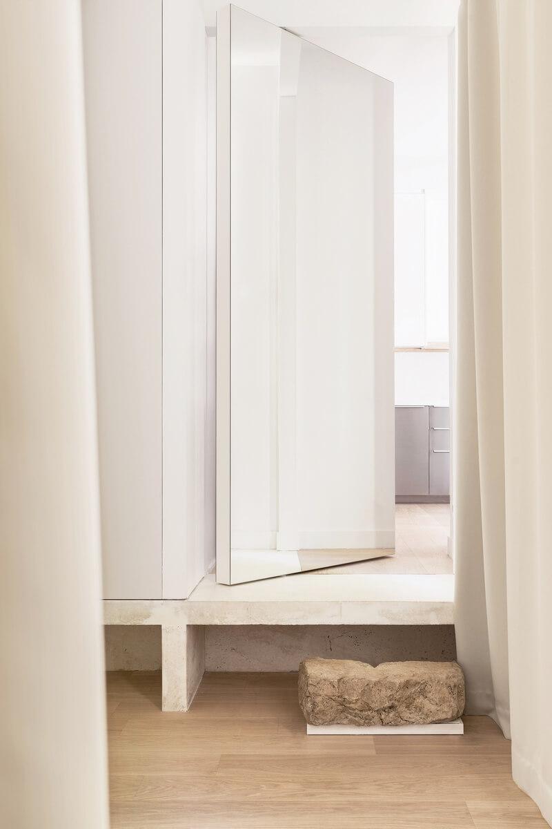 интерьер квартиры в стиле минимализм, современная трансформация исторических стилей