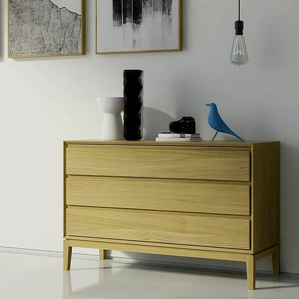 дизайнерская мебель массива дерева из серии Порто выполнена из массива дуба, обработанного маслом и твердым воском. В этой коллекции сочетаются красивая текстура дерева и современный дизайн
