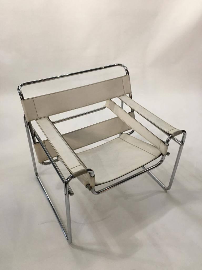 белое кресло из коллекции винтажные кресла Wassily в стиле баухаус (bauhaus) Марселя Брейера